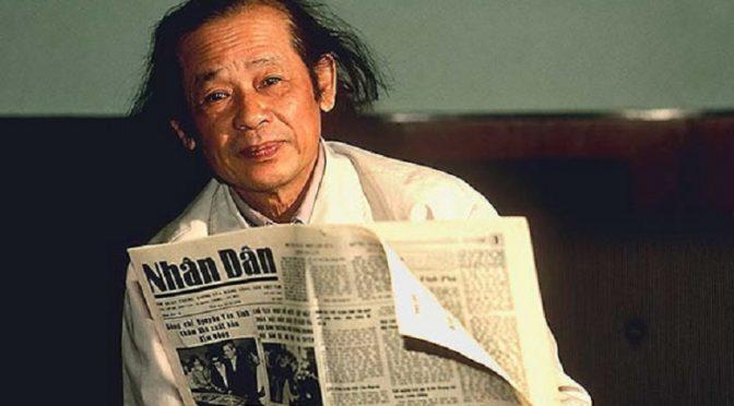 Bui Tin : «De la reddition de Saigon à l'exil en France et à la dissidence» par Charles Antoine de Nerciat [2000]