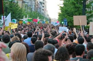 Manifestation à Grenade en 2011 pour la démocratie réelle, photo Javi S&M (wikicommons)